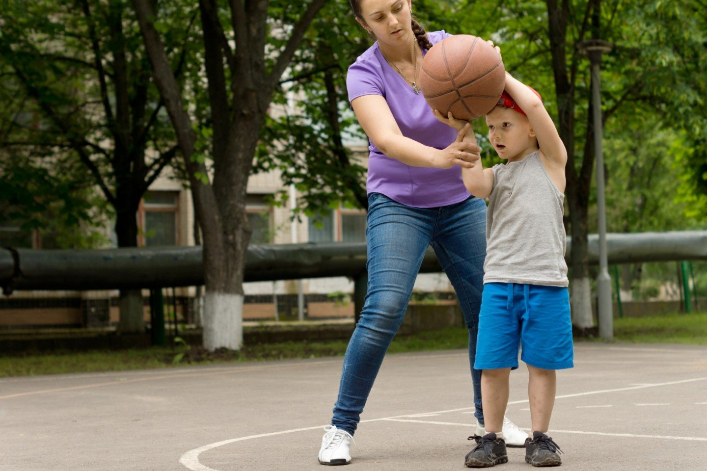 Modeling how to play basketball